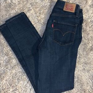 Brand new 721 high rise skinny Levi's size 28
